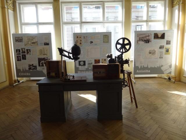 """Izstādes """"Radiocilvēks: Ābrama Leiboviсa foto-radio-firma"""" atklāšana"""