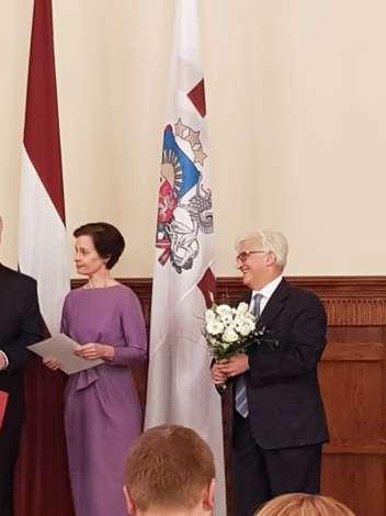 Эгилс Левитс и Аркадий Сухаренко поздравили лучших медсестер