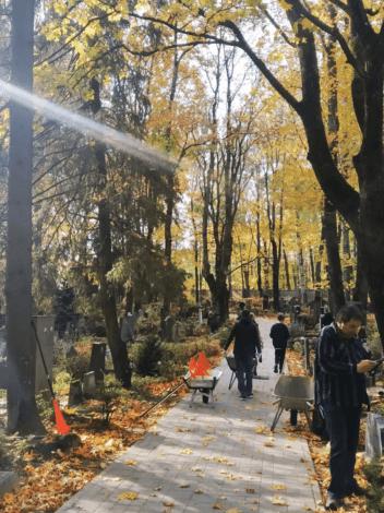 Воскресник на Новом еврейском кладбище в Шмерли